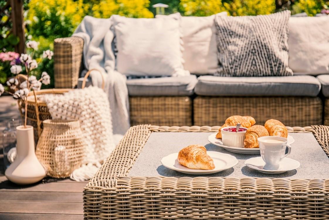 Loungeset met ontbijt