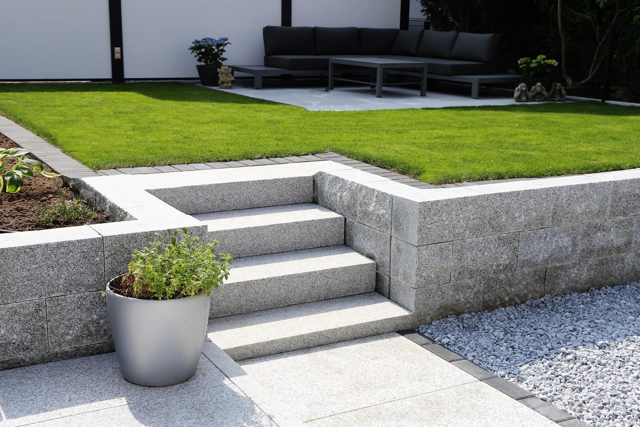 Keramische tegels onderhoudsvrije tuin
