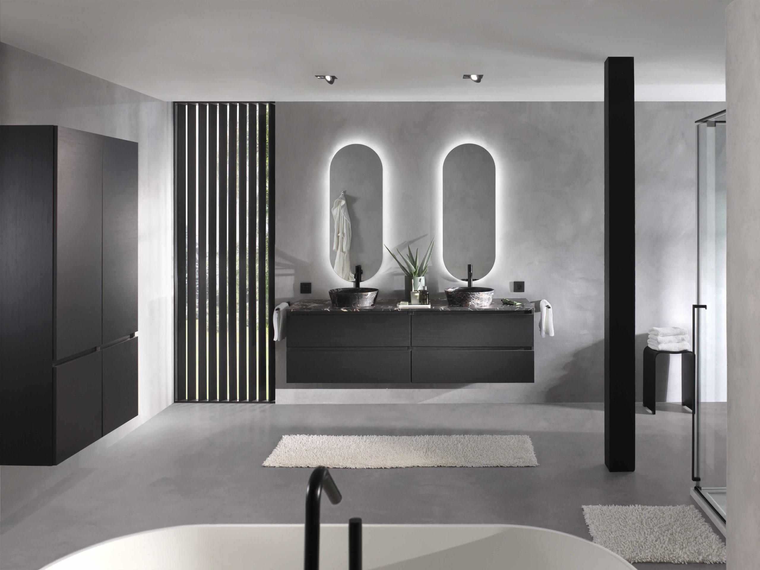 Grijze badkamer zwarte details X2O
